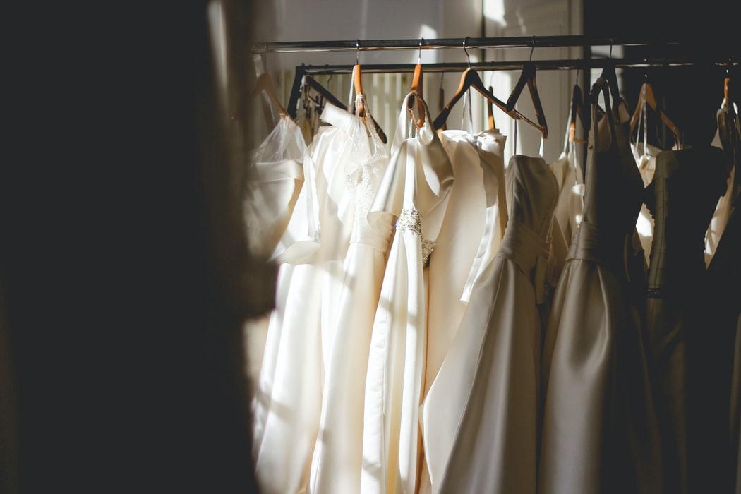 cosas que NO debes hacer al comprar el vestido de novia