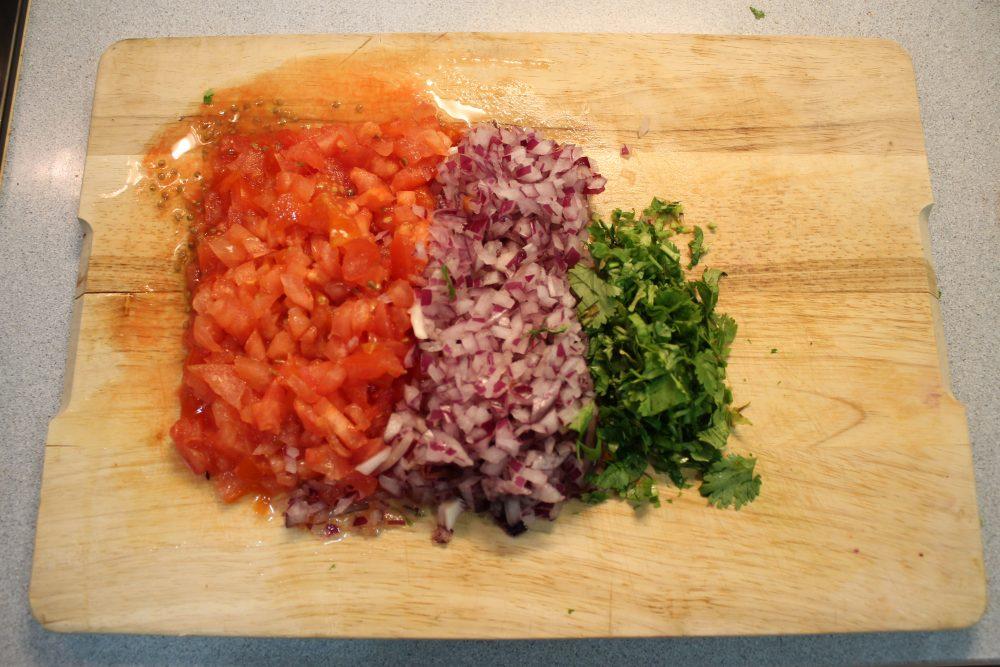 Ají colombiano, tomate, cebolla morada