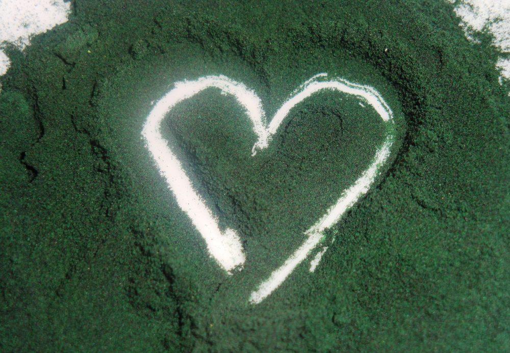 propiedades espirulina corazón