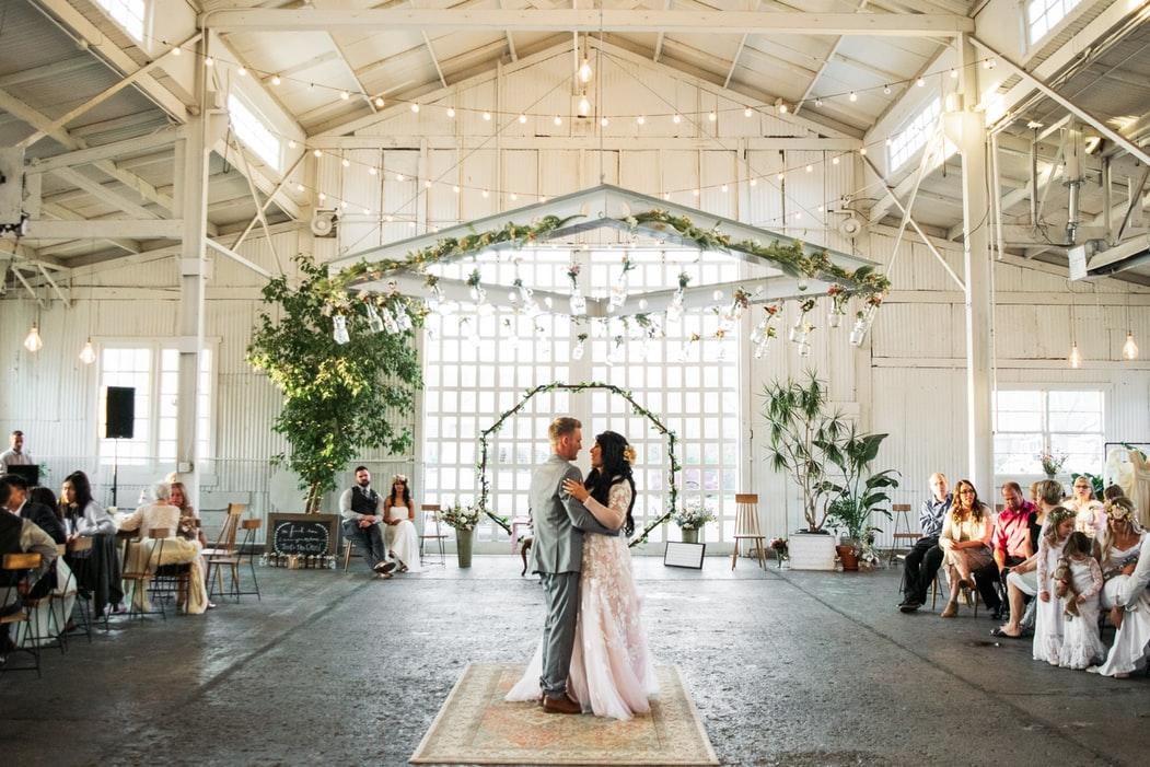 ventajas y desventajas de casarse un día festivo