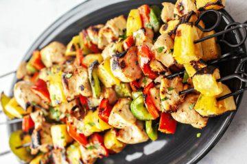 receta de brochetas de pollo y piña