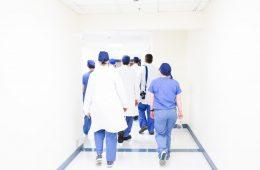 tratar ropa hospitalaria