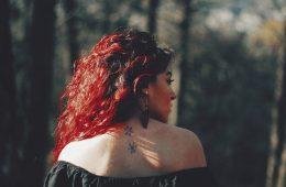 lo malo de teñirse el cabello con colores brillantes