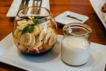 es saludable comer plátanos con leche