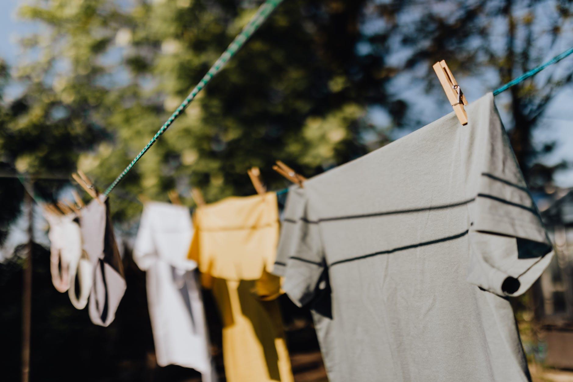 lavar la ropa a mano