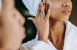 cómo combatir las manchas de la piel